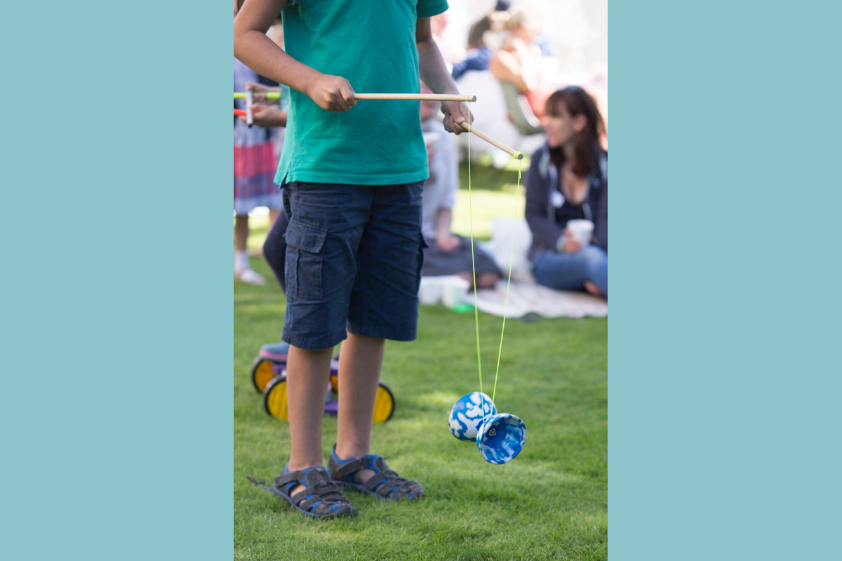 Kids party circus skills workshop