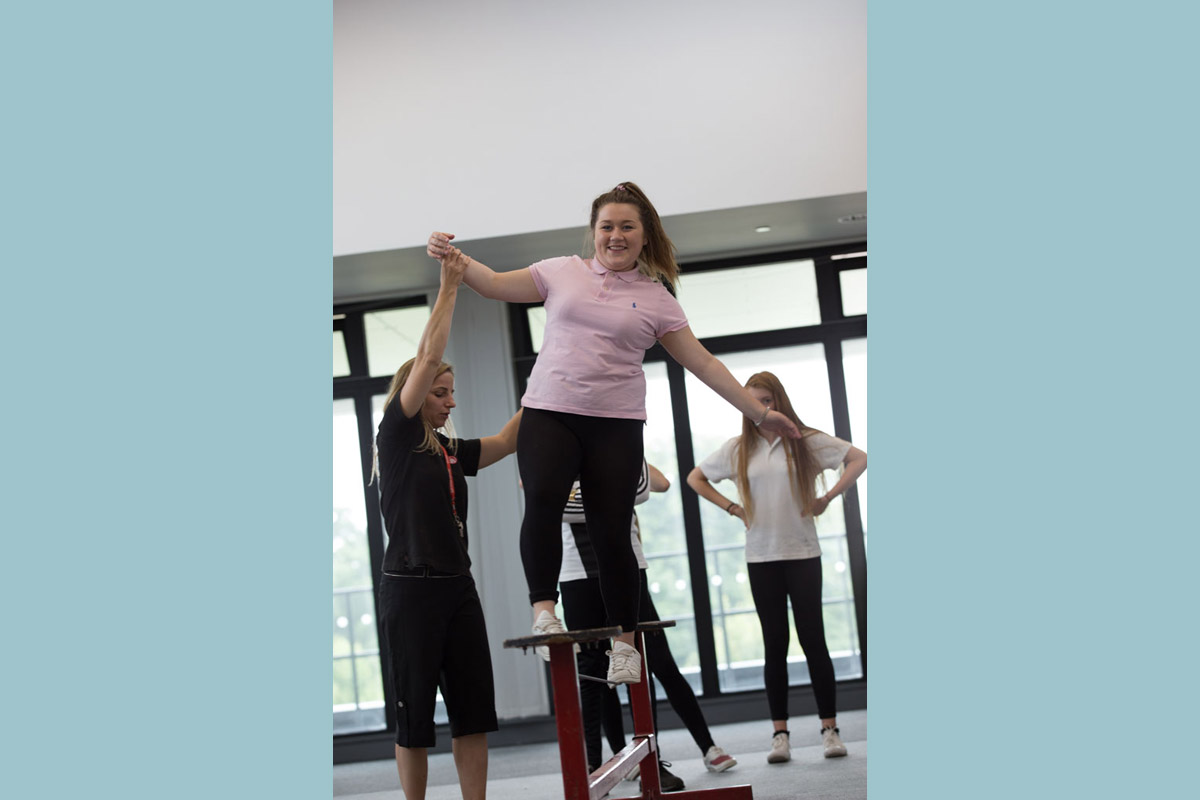 secondary-to-timSecondary school circus skills workshop
